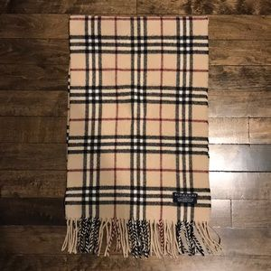 Authentic Classic Burberry Vintage Check Scarf